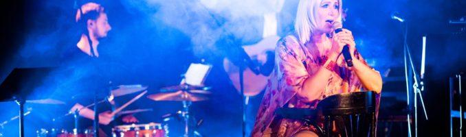 Zdjęcia z koncertu promującego płytę w dniu 15.04.2018 w obiektywie Mariusza Dmowskiego – Klub Hybrydy w Warszawie